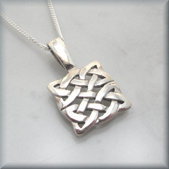 Square Knot Celtic Necklace - Bonny Jewelry