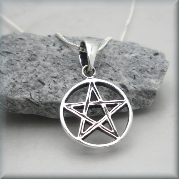 Detailed Pentagram Necklace - Pentacle Pendant - Bonny Jewelry