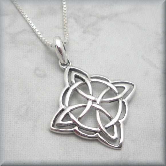 Shield Celtic Knot Necklace - Flowing Lines - Bonny Jewelry