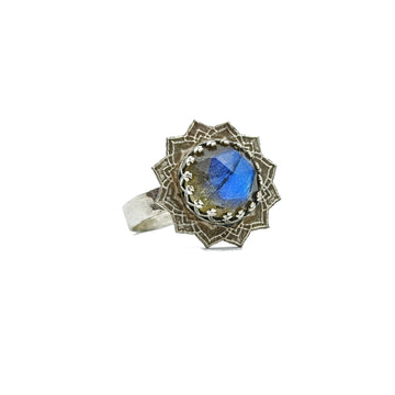 Sterling Silver Etched Mandala Ring with Labradorite - Size 5