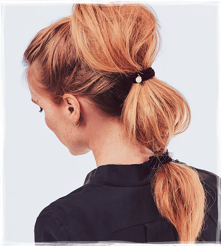 OUAI Texturizing Hair Spray bubble ponytail Chloe and Isabel holiday hair