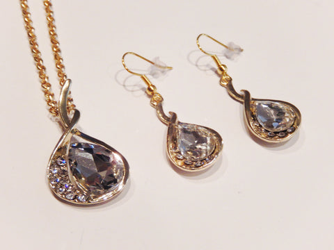 18k Yellow Gold Filled Austrian Crystals Necklace and Earrings Set