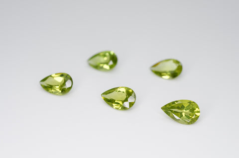 8 x 5mm Pear Cut Natural Peridot Calibrated A+