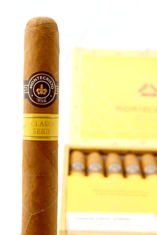 Montecristo Classic Mild to Medium Toro 6 x 52