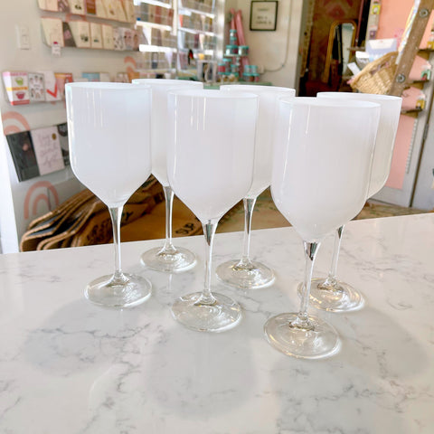 white patent v-shaped {16oz} stemmed glasses - Apple & Oak