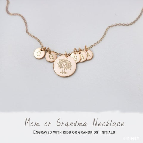 Grandma Engraved Disc Necklace • NDv13D6m