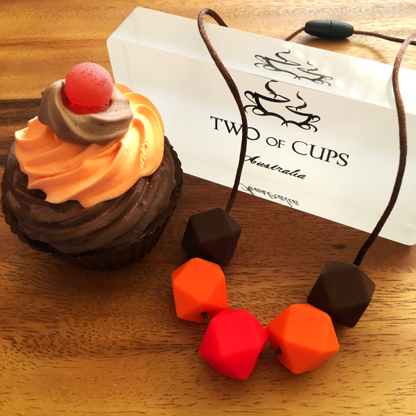 TWO of CUPs Jaffa - Necklace / Necklace & Cupcake giftset