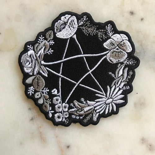 Patch - Floral Pentagram in Grayscale