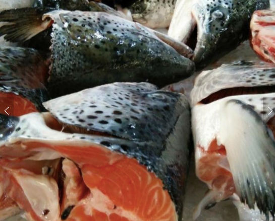 Frozen (NZ) King Salmon (Chinook) Heads, 2 Whole Heads split (4 pces)/pack (approx 1kg)