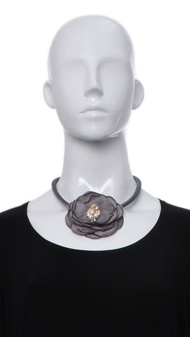 Collier de Pétales en Tissu -311 | Necklace with Petals in Fabric -311