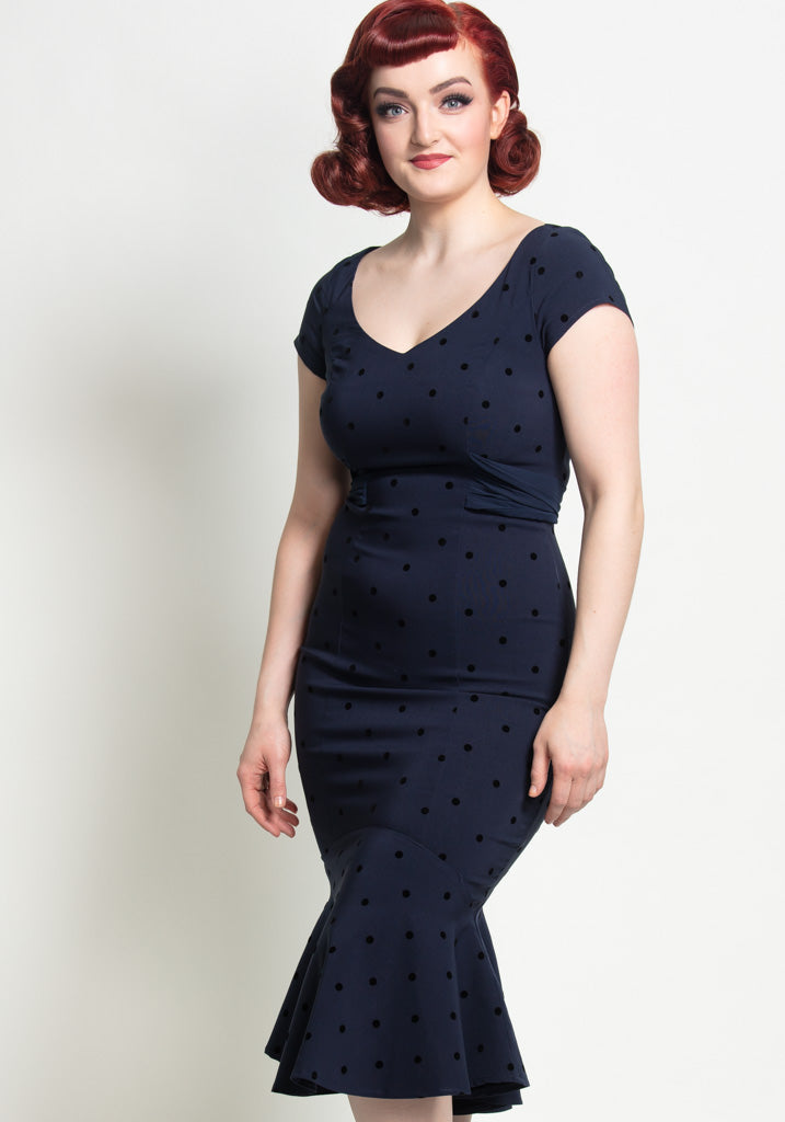Jamilia Fishtail Navy Polka Dot Kynämekko-Collectif-Miss Windy Shop