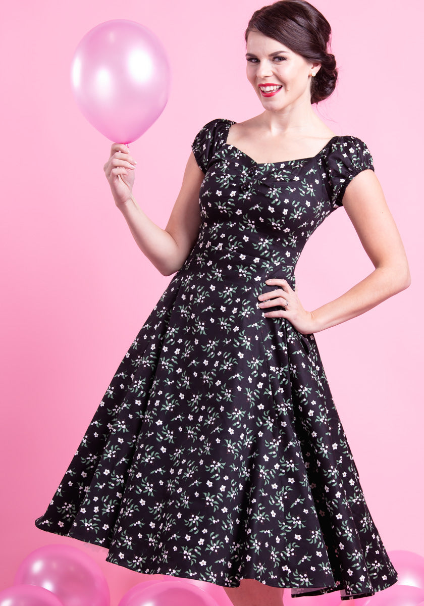 Dolores Doll Black Berry Floral Kellomekko-Collectif-Miss Windy Shop