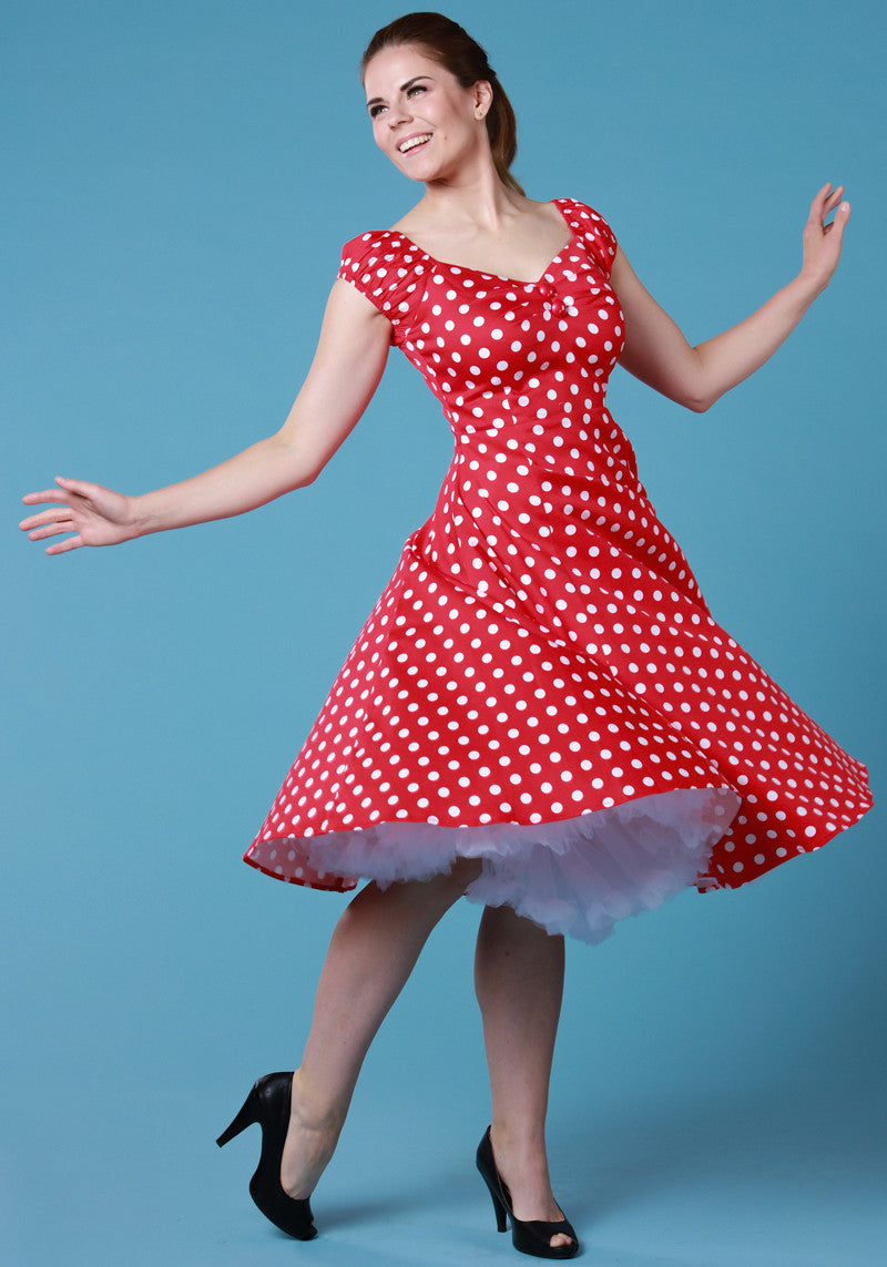 Dolores Doll Red Polka Dot 50-luvun mekko