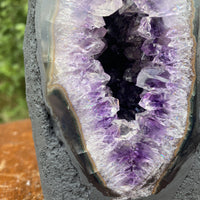 "Amethyst Geode ""CRYSTAL ON WALTER'S MIND"" 6.00 High Quality Church NS-55"