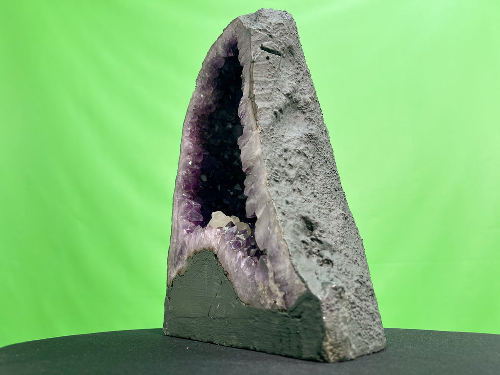 Huge Spectacular Quality Amethyst Geode Pizza Slice 35.00 Uruguayan w Stand ZZ-21s