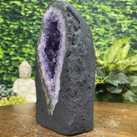"""SPARKLE"" Tall Amethyst Geode Cathedral 7.00 High Quality Agate Rim NS-293"