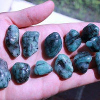 Emerald Tumbled Stone-Cosmic Cuts