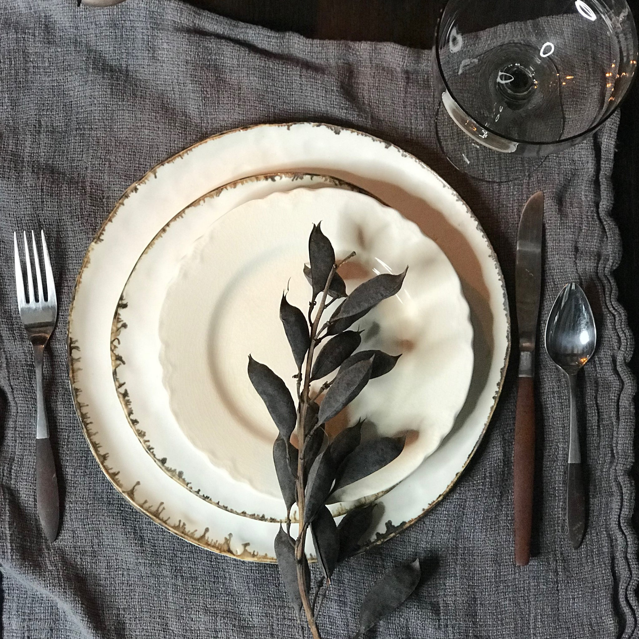 elegant holiday table setting ideas by dbo home