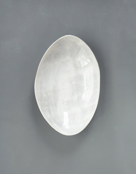 DBO HOME Handmade Porcelain Honeycomb Oval Serving Bowl