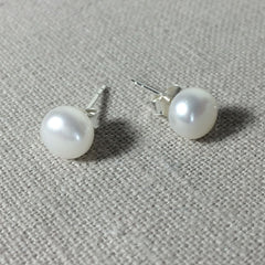 Freshwater Pearl and Sterling Silver Earring