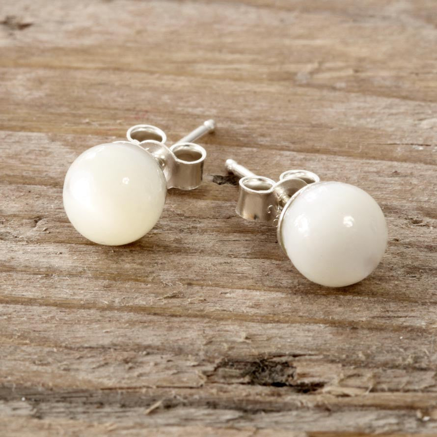 Mother of Pearl and Sterling Silver Earring