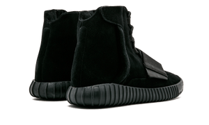 YEEZY 750 - TRIPLE BLACK