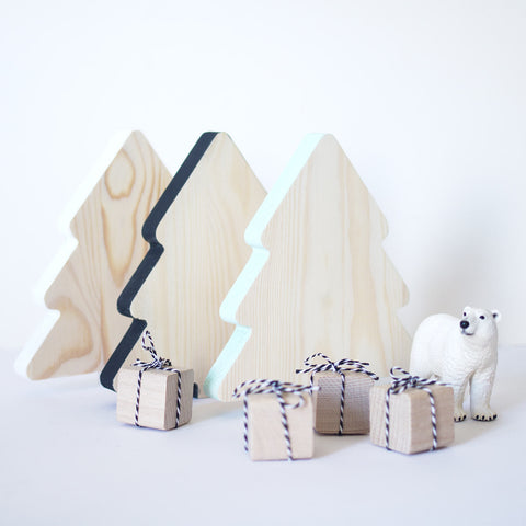 Wooden Christmas tree - happylittlefolks - 1