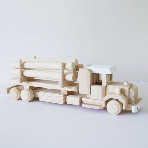 Wooden log truck 1 - Happy Little Folks
