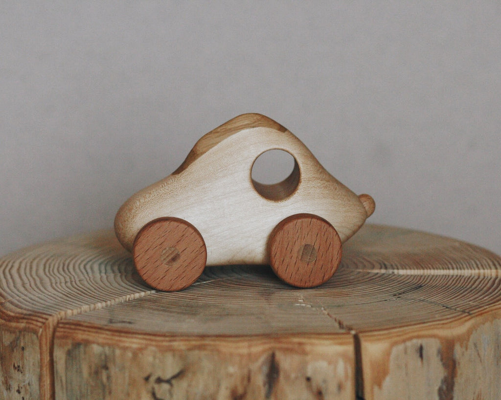 Wooden Car toy by Tateplota