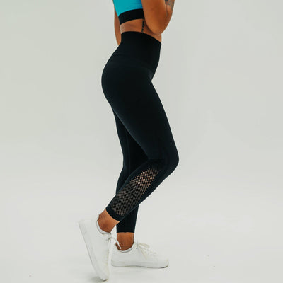 Beyond Seamless 7/8 Capris - Black - Senita Athletics