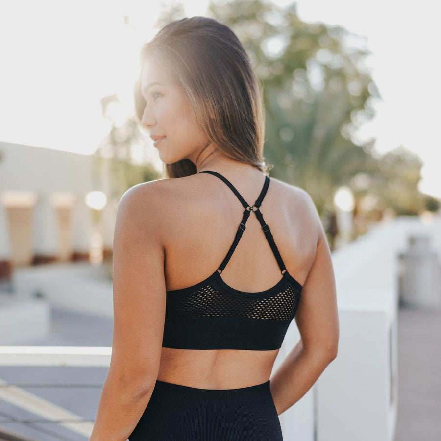 Beyond Seamless Sports Bra - Black - Senita Athletics