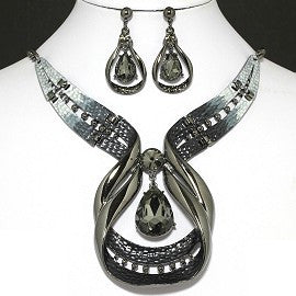 Tear Drop Necklace Earring Set