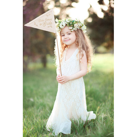 Here Comes The Bride Pennant - Knot and Nest Designs