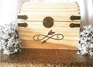 Load image into Gallery viewer, Rustic Customized Cardbox with personalized Initials - Knot and Nest Designs