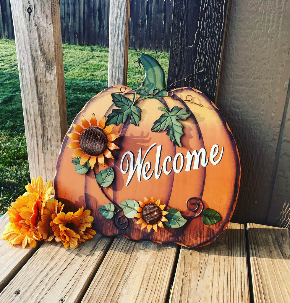 Welcome Pumpkin - Knot and Nest Designs