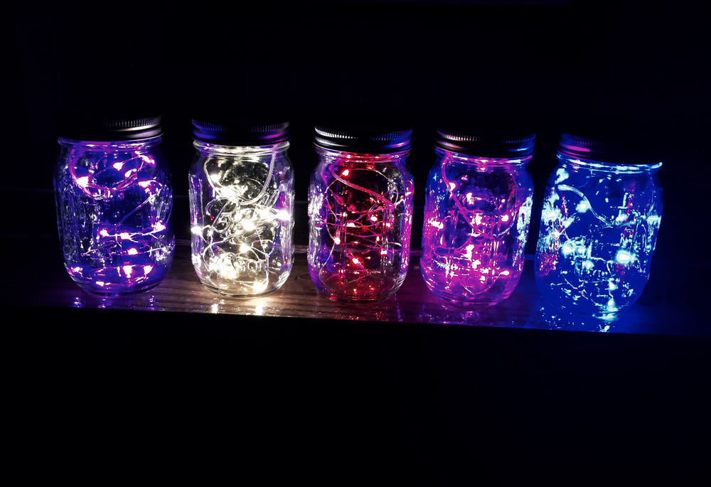 Colored mason jar lamp