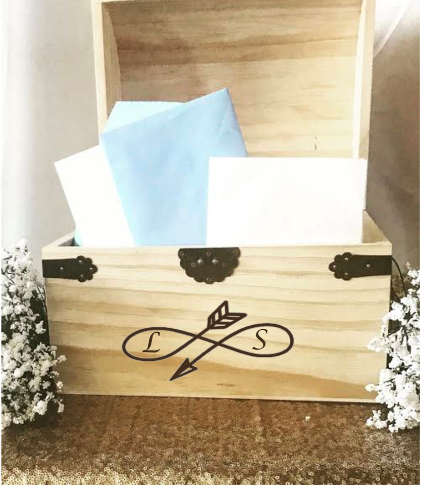 Rustic Customized Cardbox with personalized Initials - Knot and Nest Designs