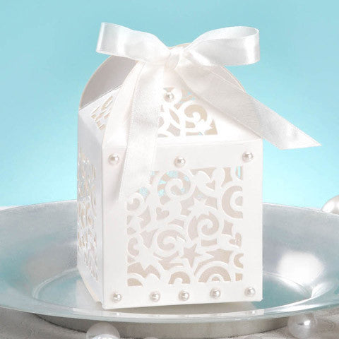 White favor boxes - Knot and Nest Designs