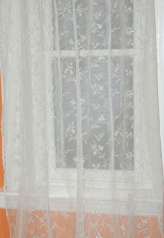 Vicky Scottish Lace Curtains with Scalloped Bottom