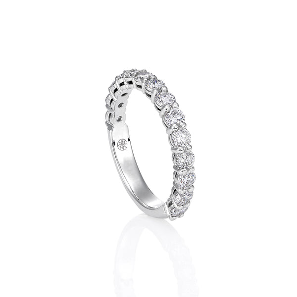 Share claw diamond eternity band