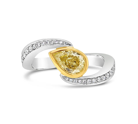Platinum and Yellow Gold Diamond Twist ring