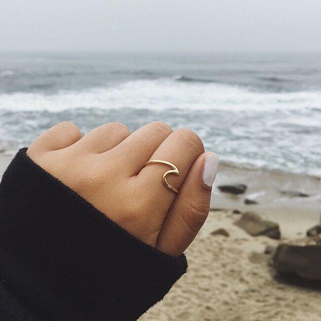 Gold Wave Ring-rings-Beautiful Baleine