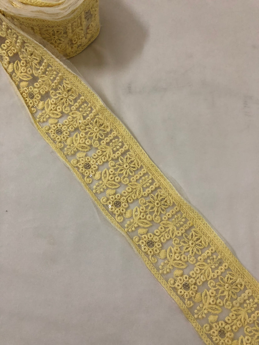 Embroidered  lace 9 metres roll