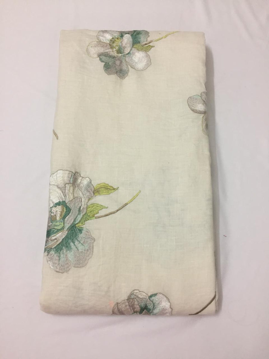 Embroidery on pure linen fabric