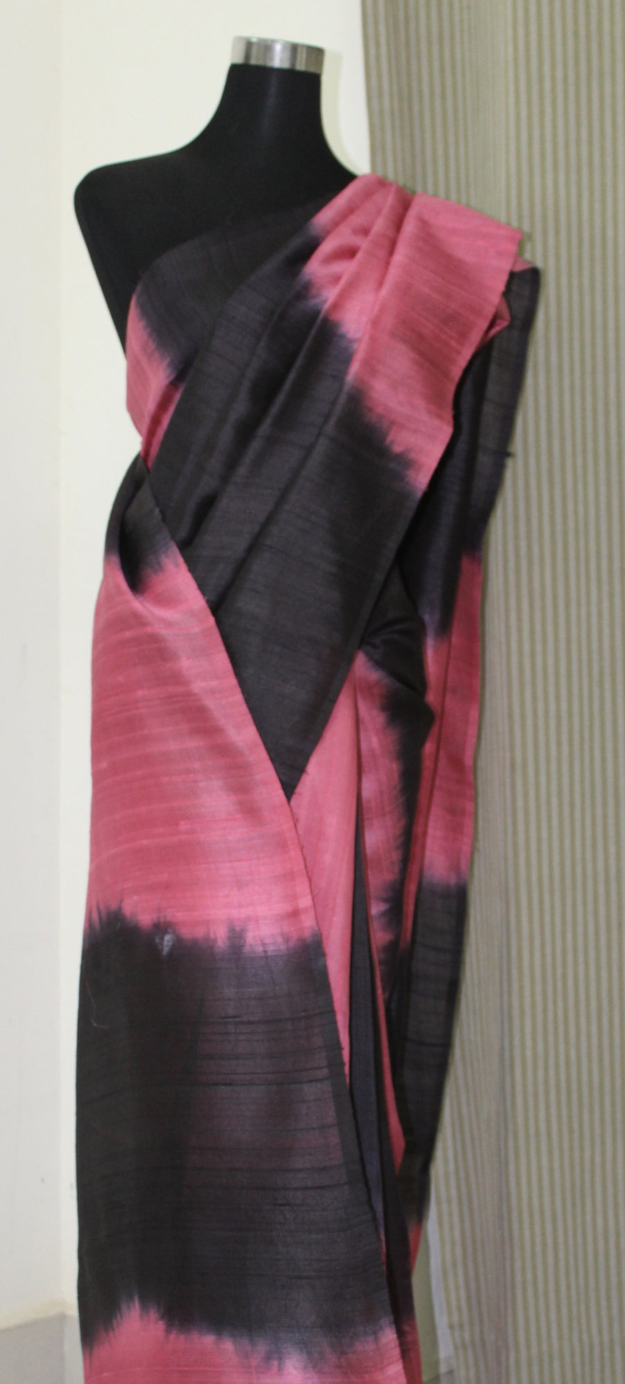 Pure raw silk saree dyed in alternate double shade