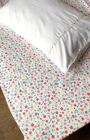 Daffodils White Single Bedsheet