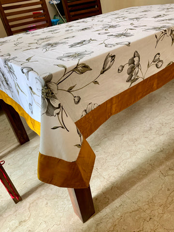 6 seater tablecloth: Ash Lily