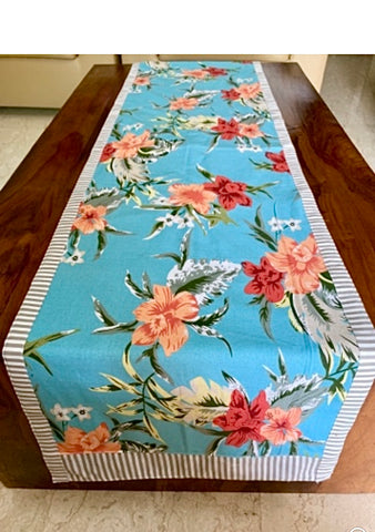4 seater table: Flower and Stripes runner
