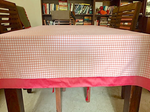 4 seater tablecloth: Soft Peach