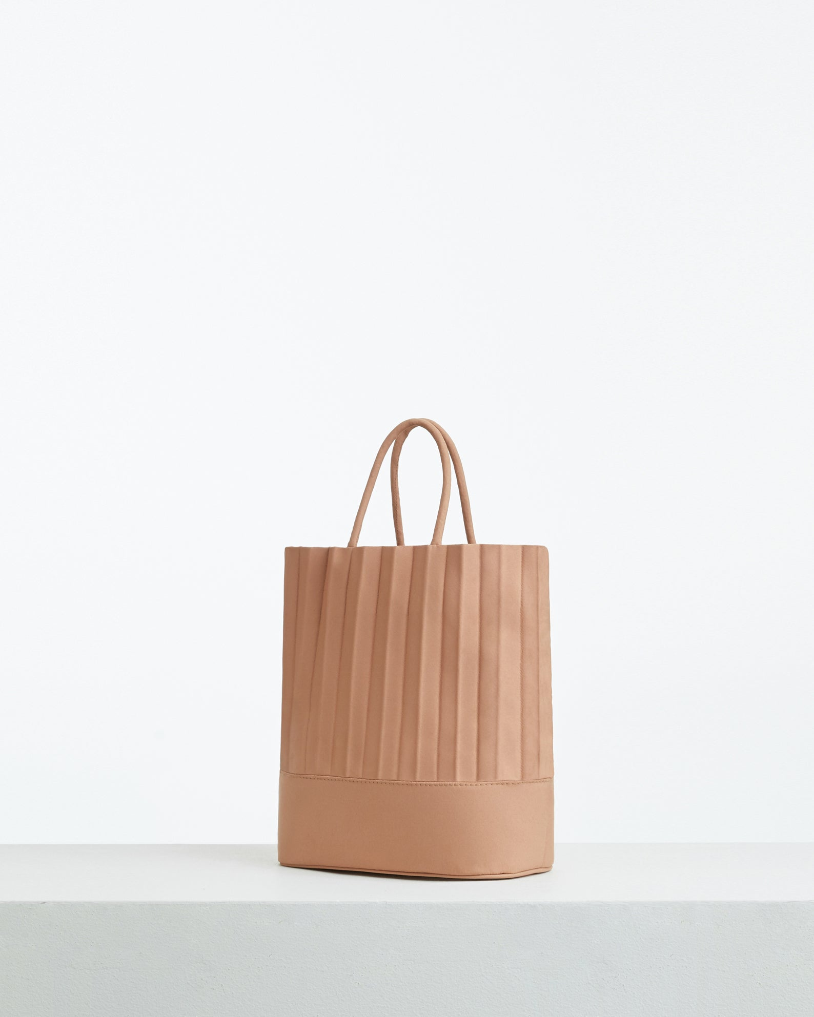 aPacklet (Pitcher) | Handbag in Sand